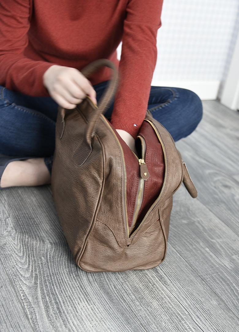 Коричневая с красным кожаная сумка-баулетто ALEANTO -29282