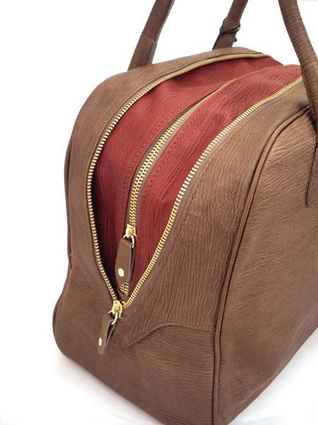 Коричневая с красным кожаная сумка-баулетто ALEANTO -3219