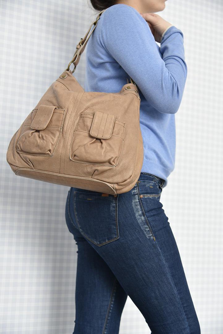 Кожаная сумка цвета арахиса BAGIA -29290
