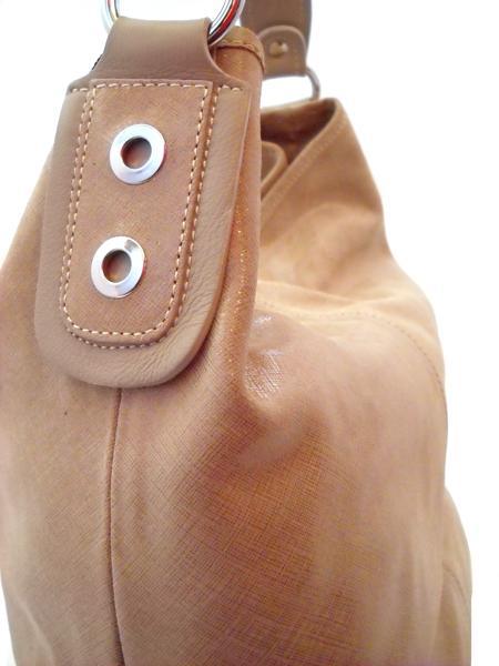 Классическая кожаная бежевая сумка итальянской марки INNUE-5206
