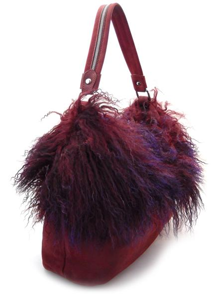 сумка в пурпурных тонах