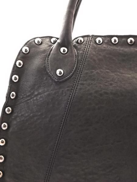 Большая черная кожаная сумка с клепками итальянской марки INNUE'-852