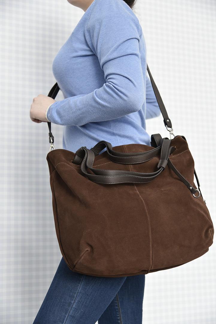 Замшевая сумка шоколадного цвета итальянской марки GIANNI CHIARINI-29293