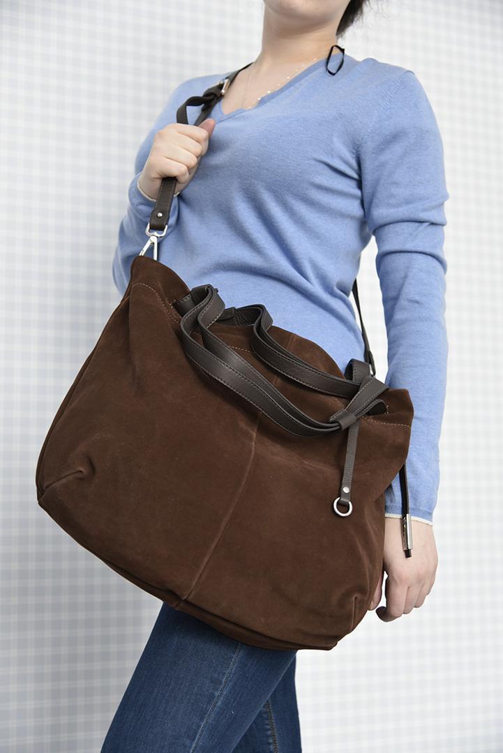 Замшевая сумка шоколадного цвета итальянской марки GIANNI CHIARINI-29294