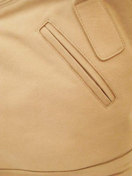 Кожаная сумка молочного цвета с отделением для зонта итальянской марки BAGIA -1310