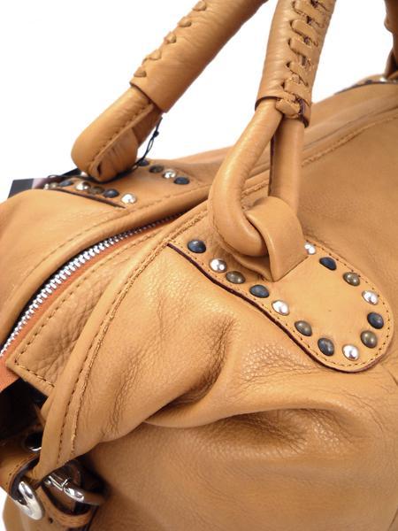 Мягкая кожаная большая сумка песочного цвета итальянской марки BAGIA -3568