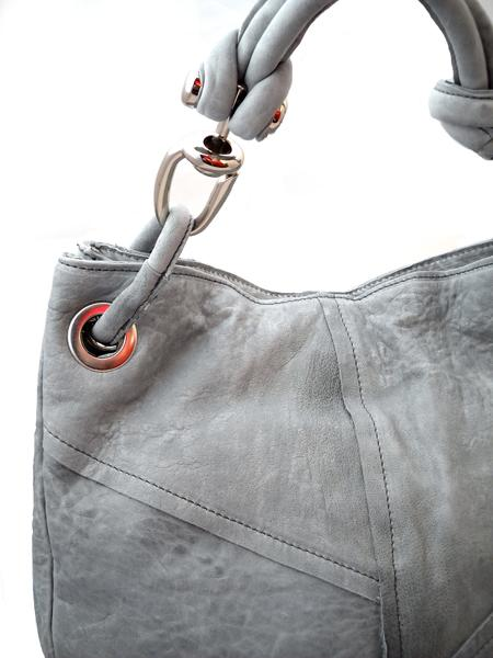 Светло-серая кожаная сумка итальянской марки MADI-5510