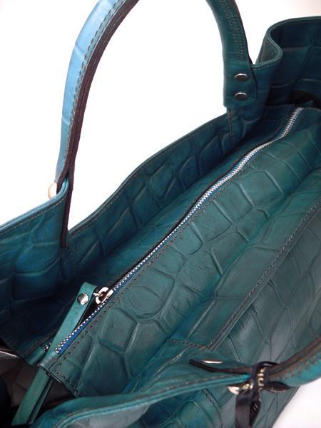 Дамская кожаная сумка изумрудного цвета итальянской марки GIANNI CHIARINI-3668