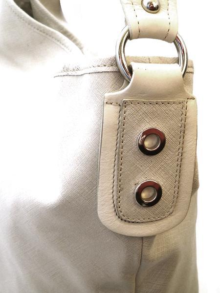 Классическая сумка светло-песочного цвета итальянской марки INNUE-5202